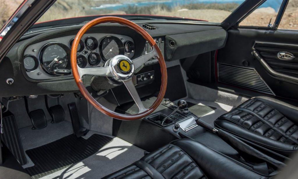 Ferrari 365 gtb 4 spider daytona int rieur avant echoretro for Interieur ferrari